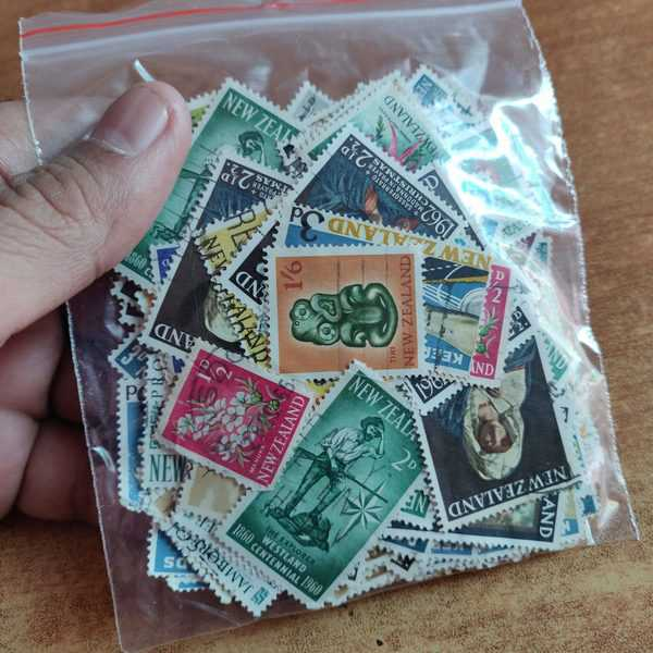 New Zealand pre-decimal mix lot used stamps