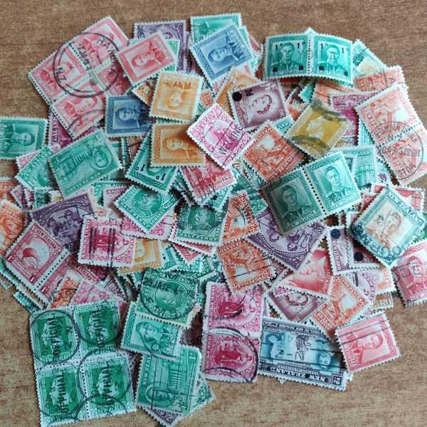 New Zealand mix lot, old British era stamps