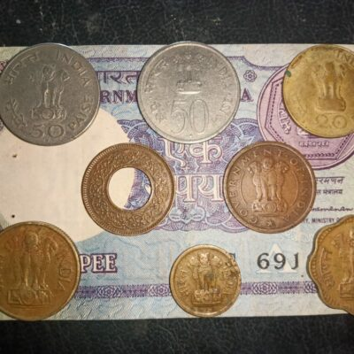 Indian 8 coins and 1 currency note mix lot