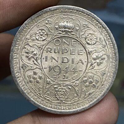 KGVI gem UNC silver rupee 1944 lahore mint